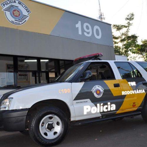 Menores são detidos dirigindo armado na Rodovia Faria Lima