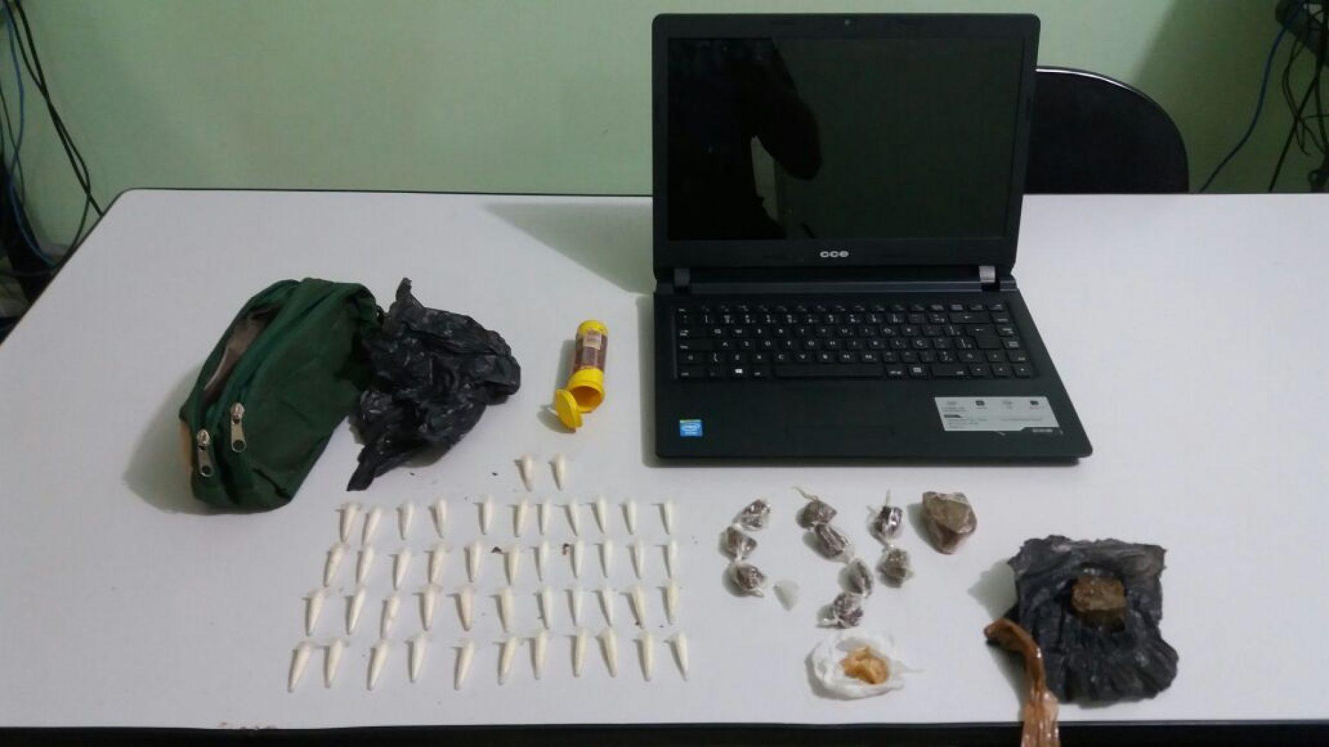 Policia Militar localiza drogas e notebook em terreno no Dom Bosco