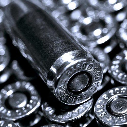Policiais civis prendem comerciante com munições em sua residência no bairro Marilia