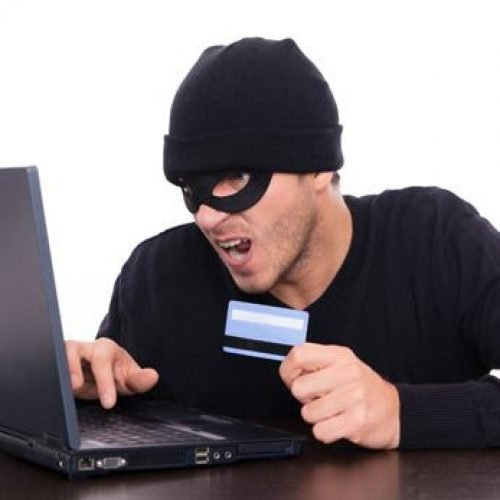 BARRETOS: Professor tem compras indevidas em seu nome com cartão que ele desconhece a existência