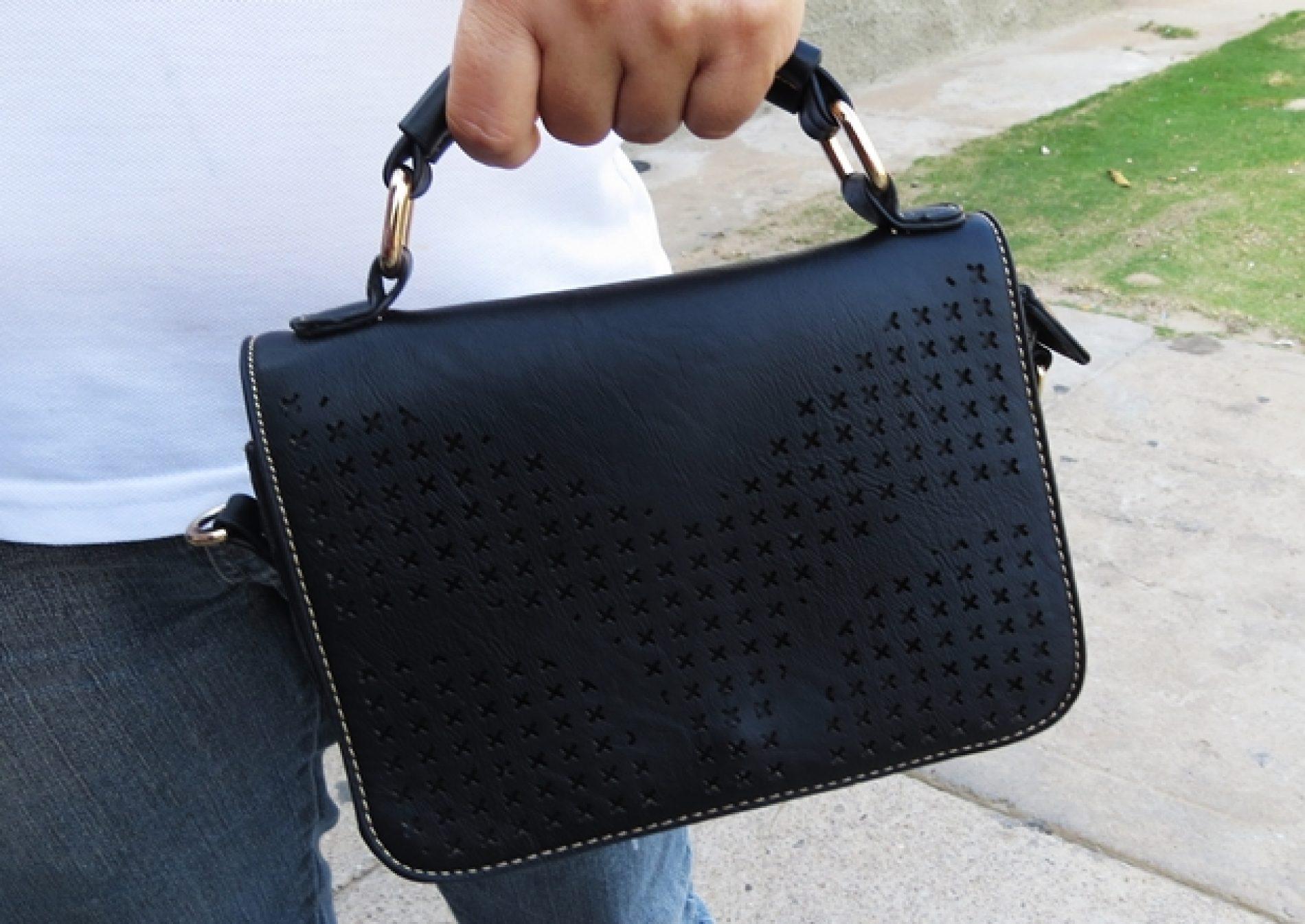 Mulher tem bolsa furtada de dentro de sua residência no bairro Rios