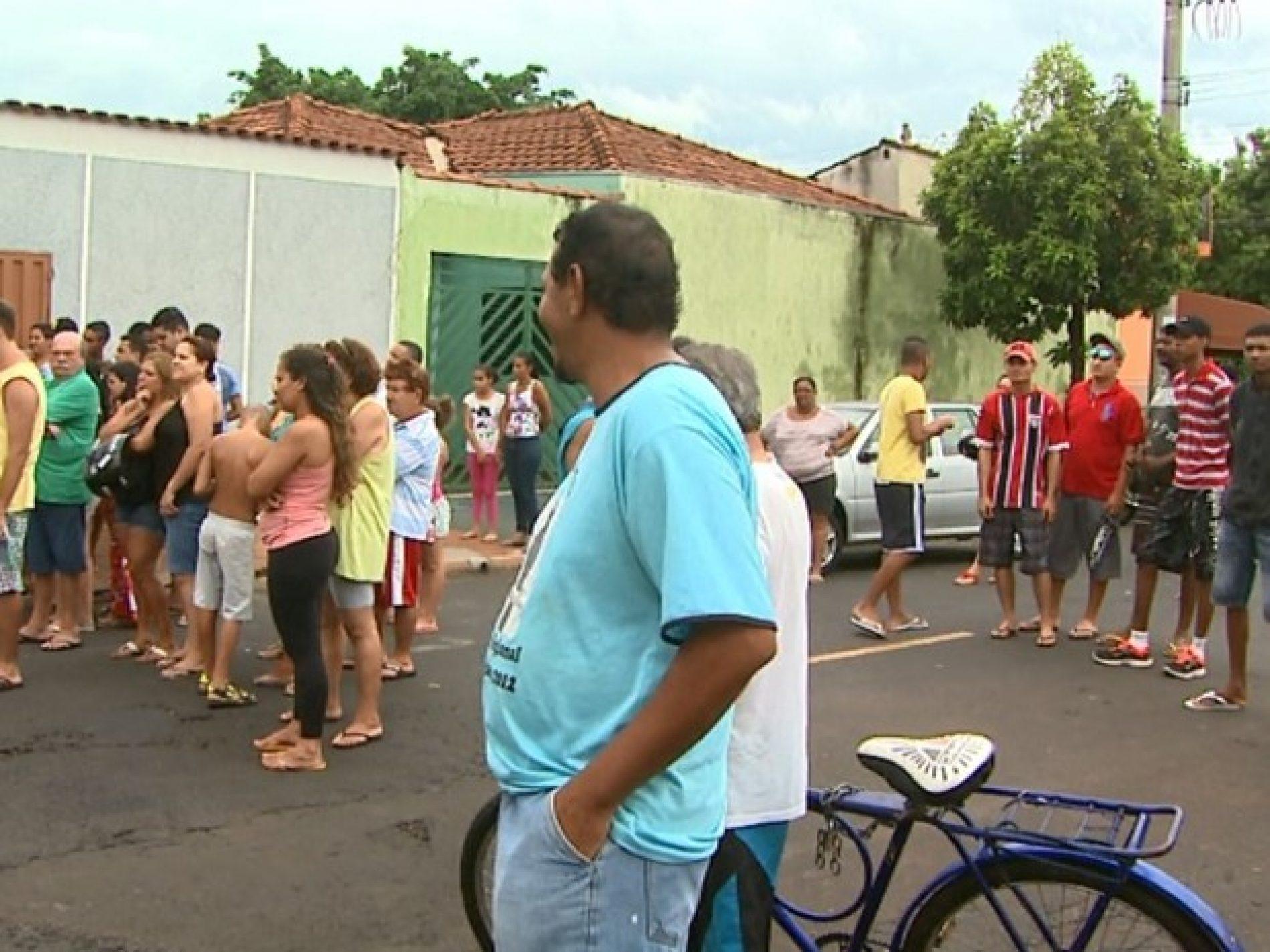 Injuria e ameaça entre vizinhos no bairro Christiano Carvalho