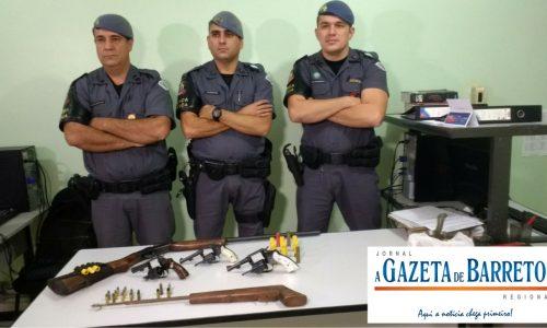 Força Tática prende dois homens e apreende cinco armas e várias munições em residência no Jardim Califórnia