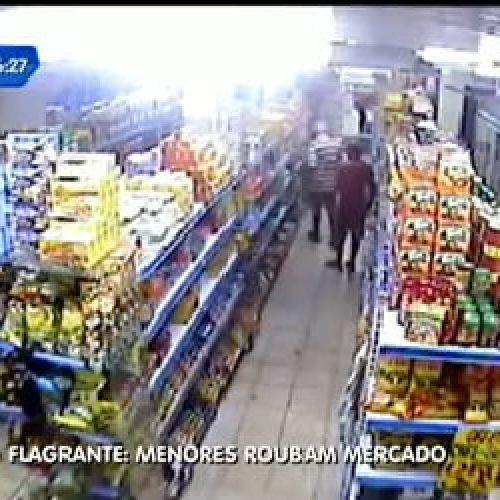 Menores são detidos furtando chocolate em supermercado
