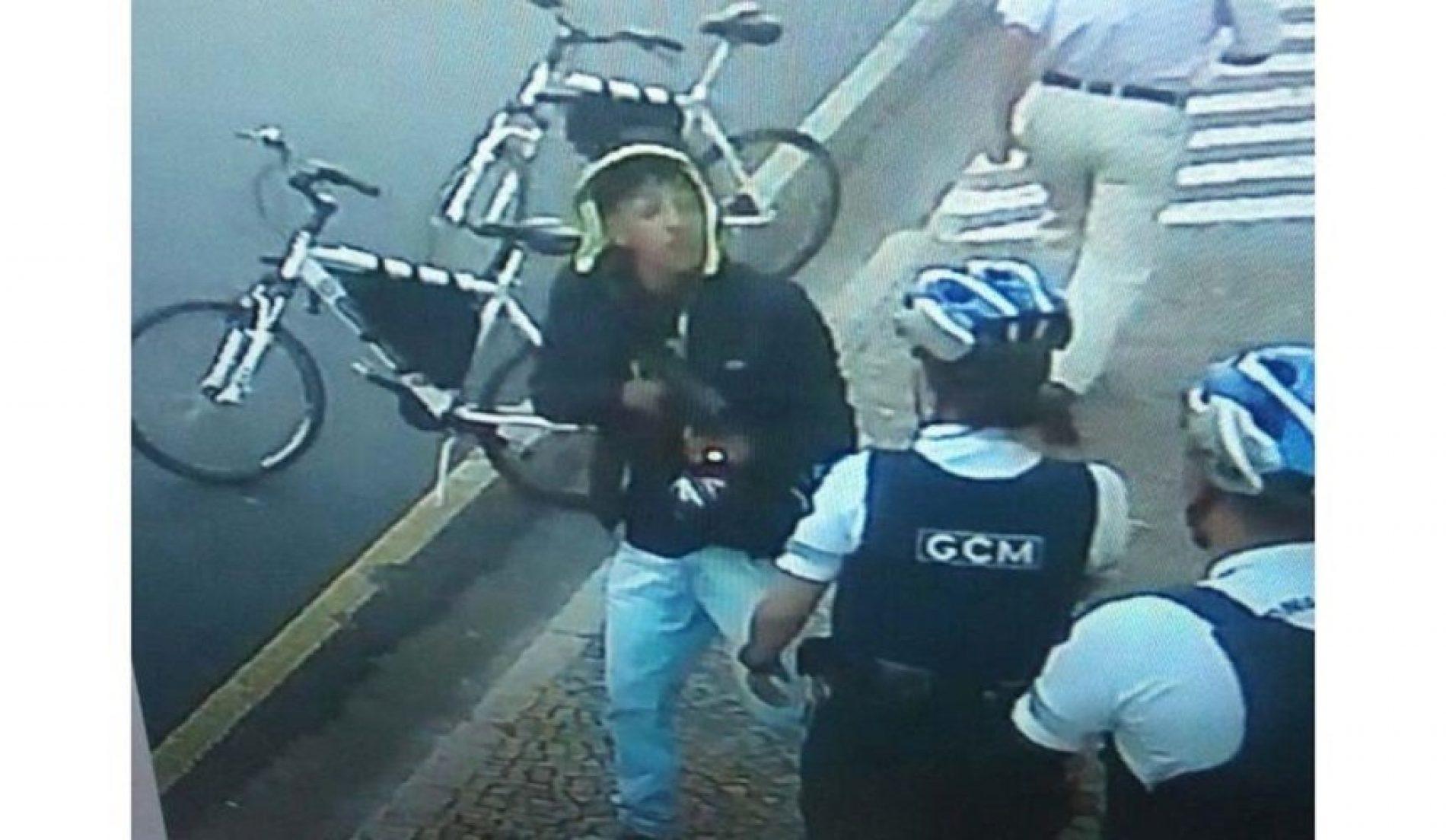 RIO PRETO – Assalto a joalheria termina com um jovem morto e dois guardas feridos. (VÍDEOS)