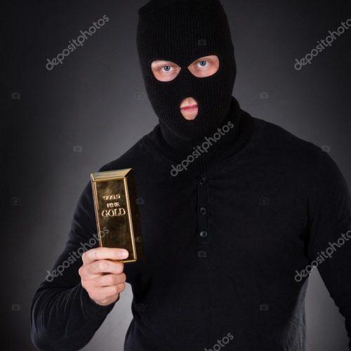 Ladrões furtam carro, joias e barras de ouro em residência na Rua 20
