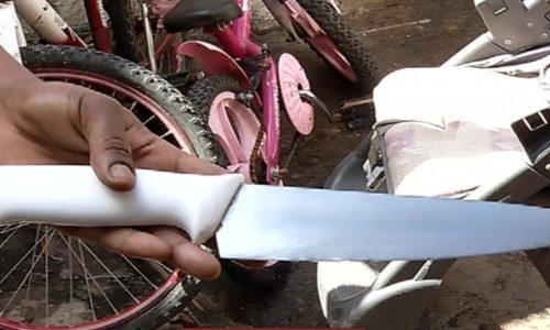 Homem é ameaçado com faca por esposa no Jardim Caiçara