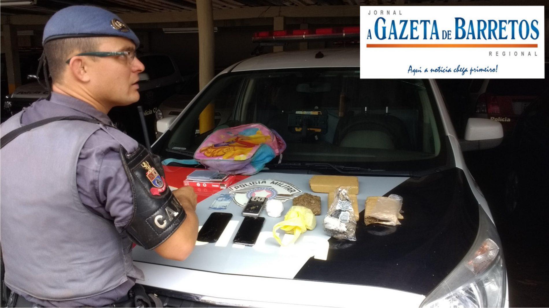 Operação com equipes do Canil ROCAM e Força Tática prende dois e apreende quase um quilo e meio de drogas no Dom Bosco