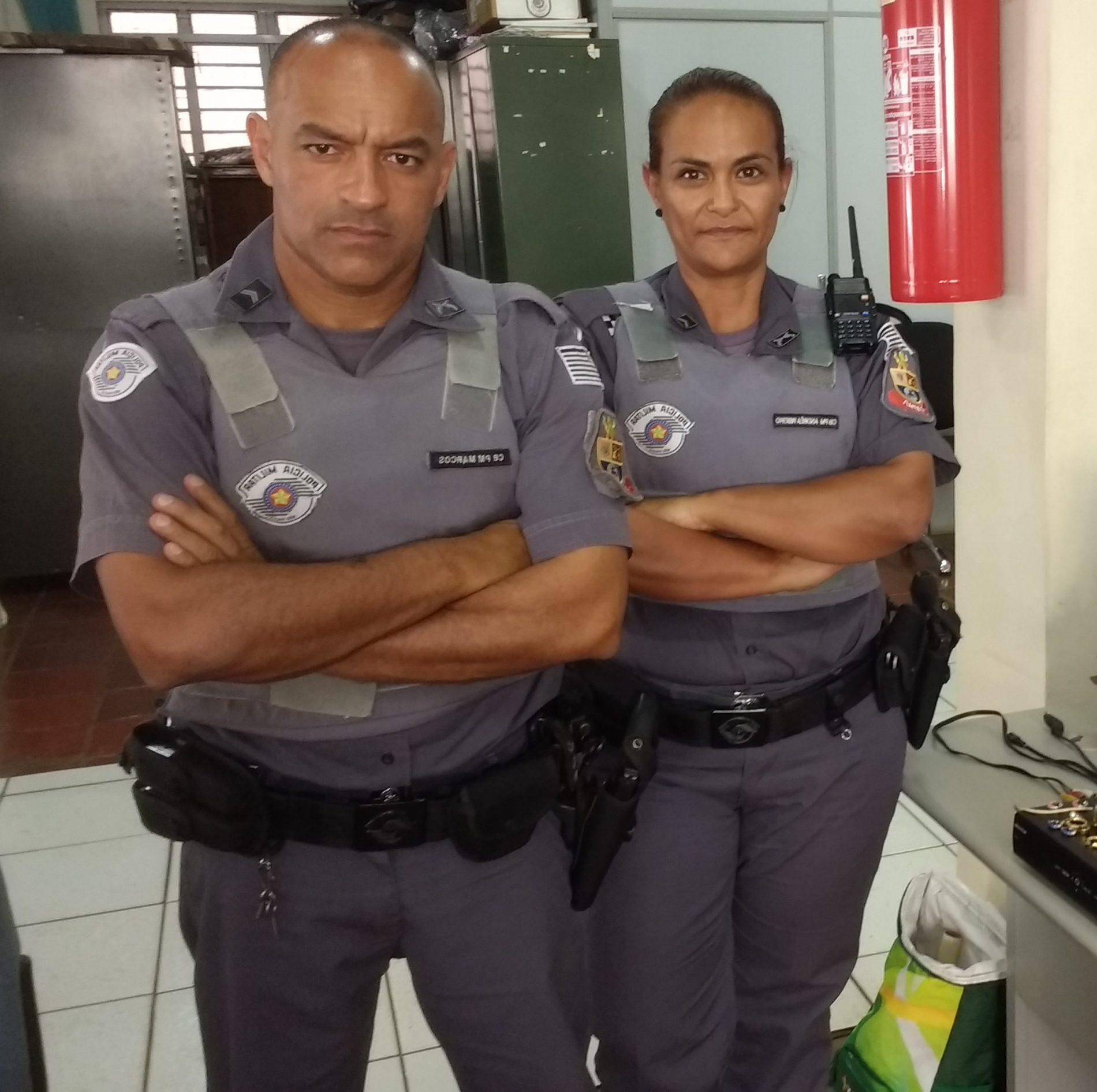 """BARRETOS: """"Mãe do tráfico"""" é presa no bairro Gomes"""