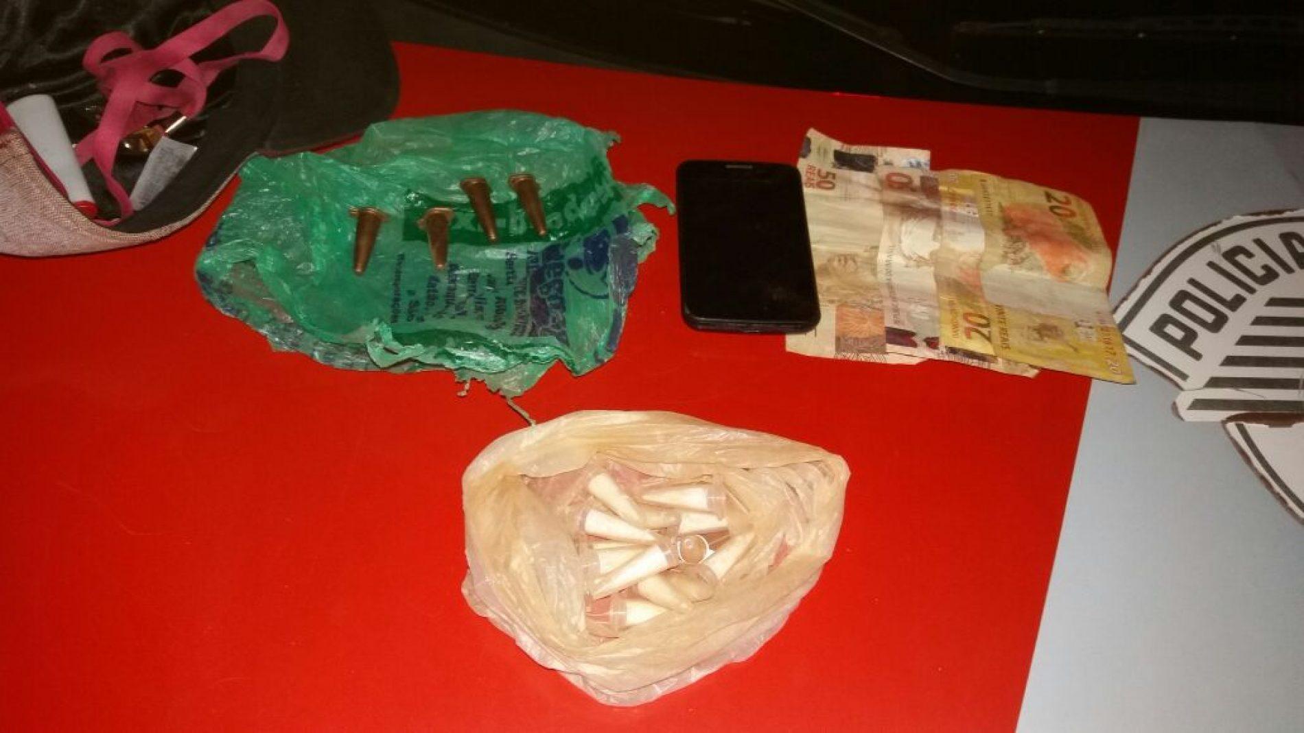 Equipe do Canil prende metalúrgico por tráfico de drogas no bairro Arizona