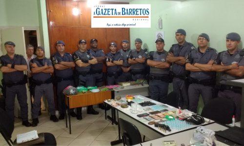 Mega Operação da Policía Militar prende três e apreende mais de cinco quilos de maconha, um quilo de cocaína, armas, LSD, Ecstasy e Lança perfume