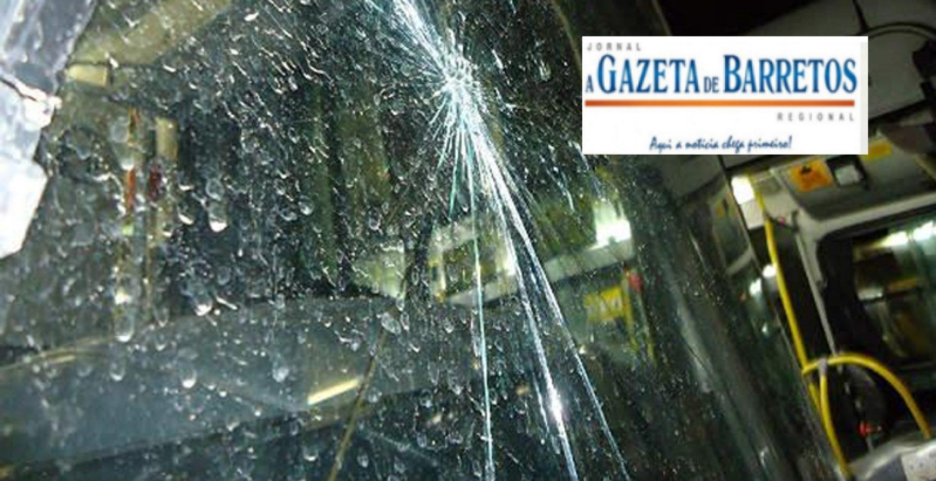 Motorista de ônibus afirma que estudantes de medicina depredaram seu veículo