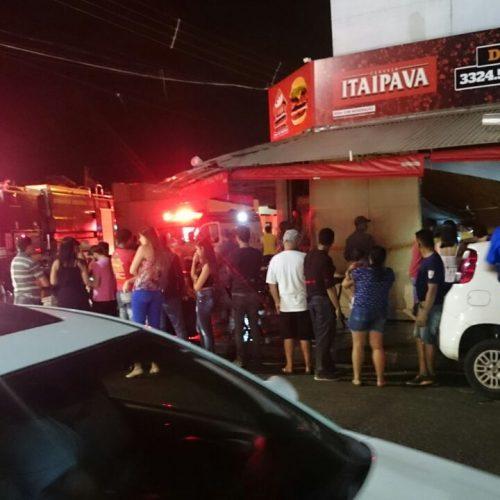 Teto de bar desaba e fere garçom no bairro Pedro Cavalini
