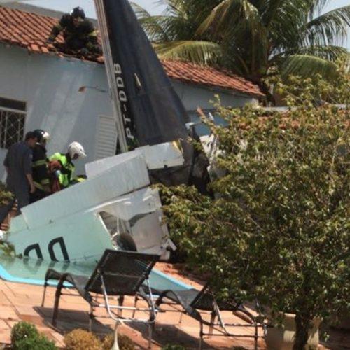 RIO PRETO: Avião cai sobre casa em bairro próximo ao aeroporto de Rio Preto