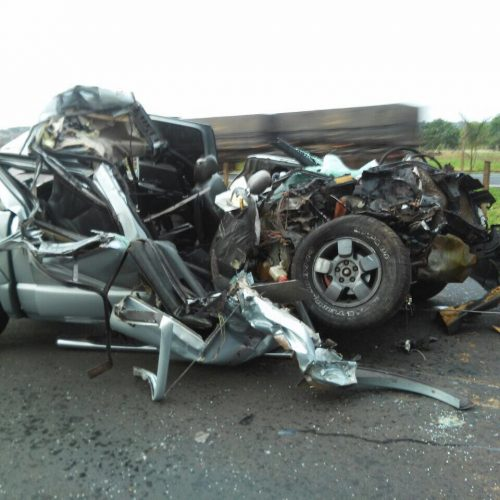 COLINA: Grave acidente na entrada de Colina deixa três jovens gravemente feridos