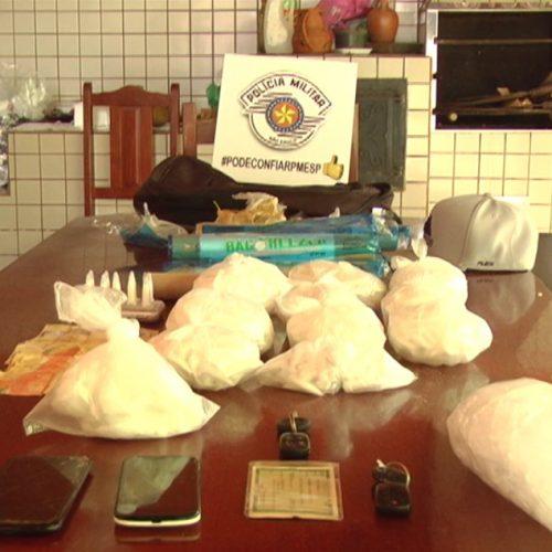 BARRETOS: Policia Militar prende três homens em residência utilizada para armazenar e embalar drogas no Jardim ETEMP