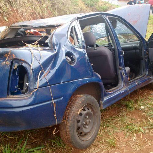 REGIÃO: Capotamento deixa 3 feridos