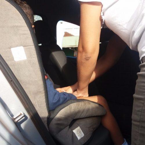 REGIÃO: Assaltante atira contra pai que tentava tirar filho de carro durante roubo