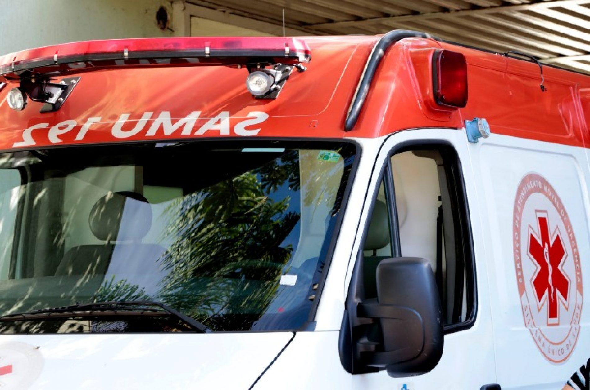 REGIÃO: Motorista morre carbonizado após bater carro em placa de sinalização
