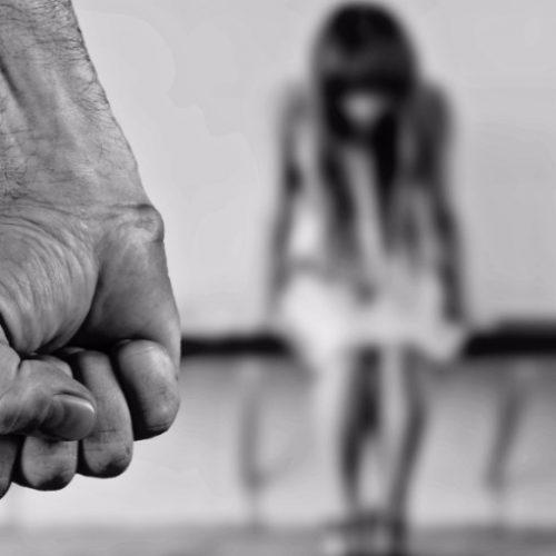 REGIÃO: Homem espanca ex-mulher e filha por suspeita de traição