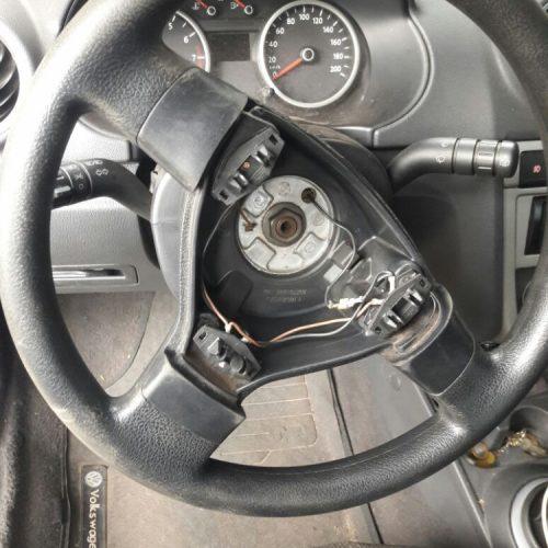 REGIÃO: Casal é preso com droga escondida no volante do carro