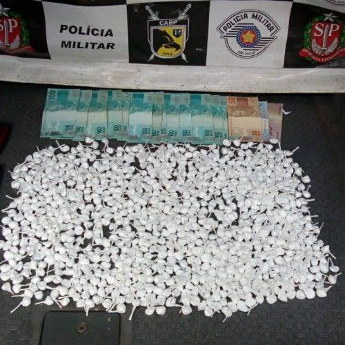REGIÃO: Mecânico é preso com 960 porções de cocaína