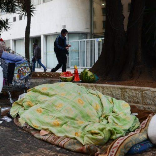 REGIÃO: Morador de rua nervoso por não ganhar comida agrediu dona da casa