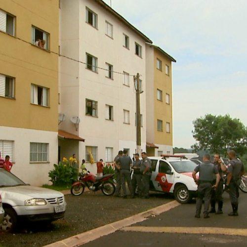REGIÃO: Menina de 9 anos usa lençol para fugir de apartamento e cai do 3º andar em Ribeirão
