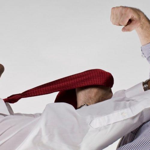 BARRETOS: Desentendimento e agressão no velório municipal