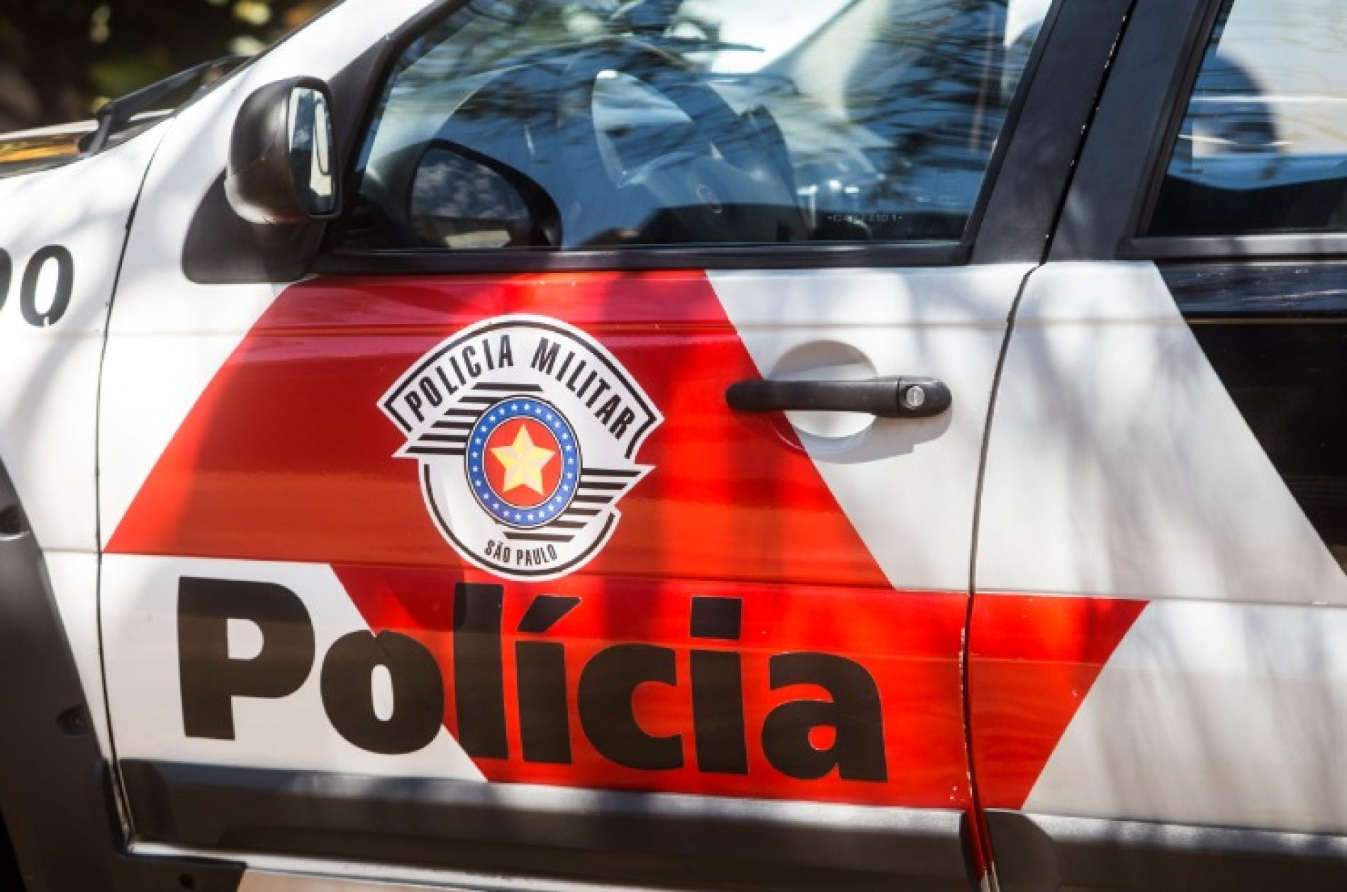 OLÍMPIA: Adolescente e crianças são flagrados ao furtar restaurante
