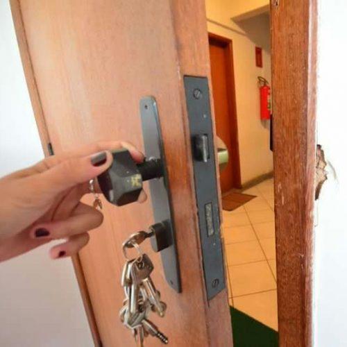BARRETOS: Furto em residência na Rua 4