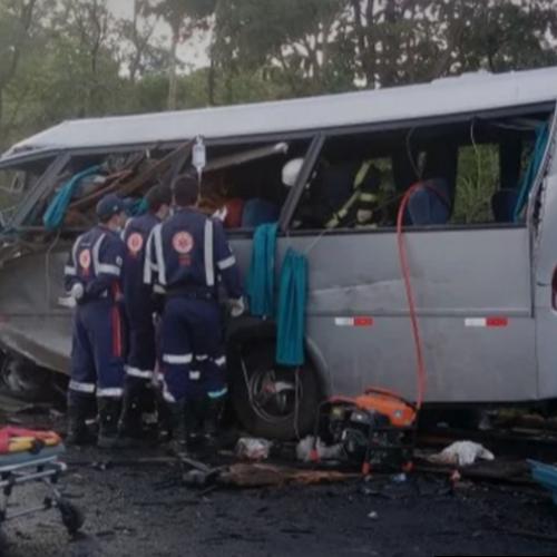TRAGÉDIA EM MINAS GERAIS: Acidente envolvendo vários veículos deixa mortos e feridos na BR-251