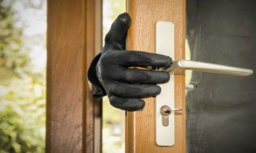 BARRETOS: Furto em residência na Rua 8