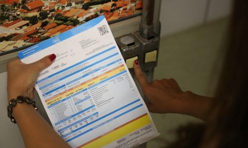 REAJUSTE: Aneel propõe um reajuste médio de 15,15% na conta de luz
