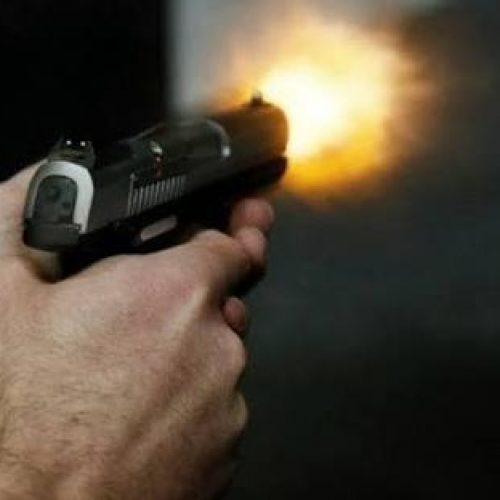 REGIÃO: Adolescente é baleado na frente de casa