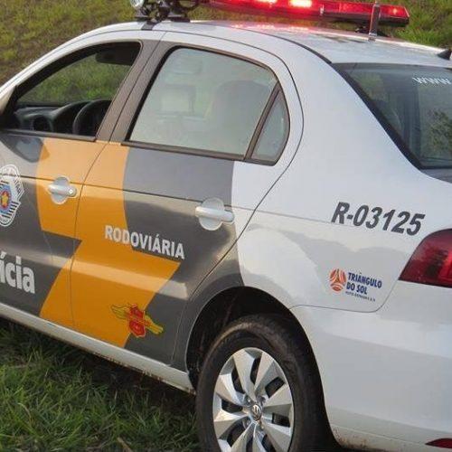 BARRETOS: Após capotamento, condutor foge e abandona veículo na rodovia