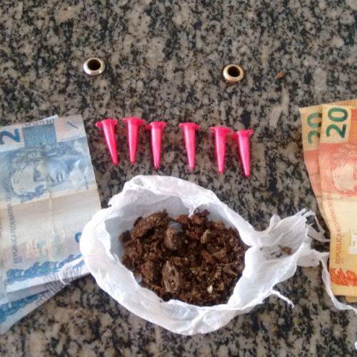 BARRETOS: FLAGRANTE DE TRÁFICO DE DROGAS