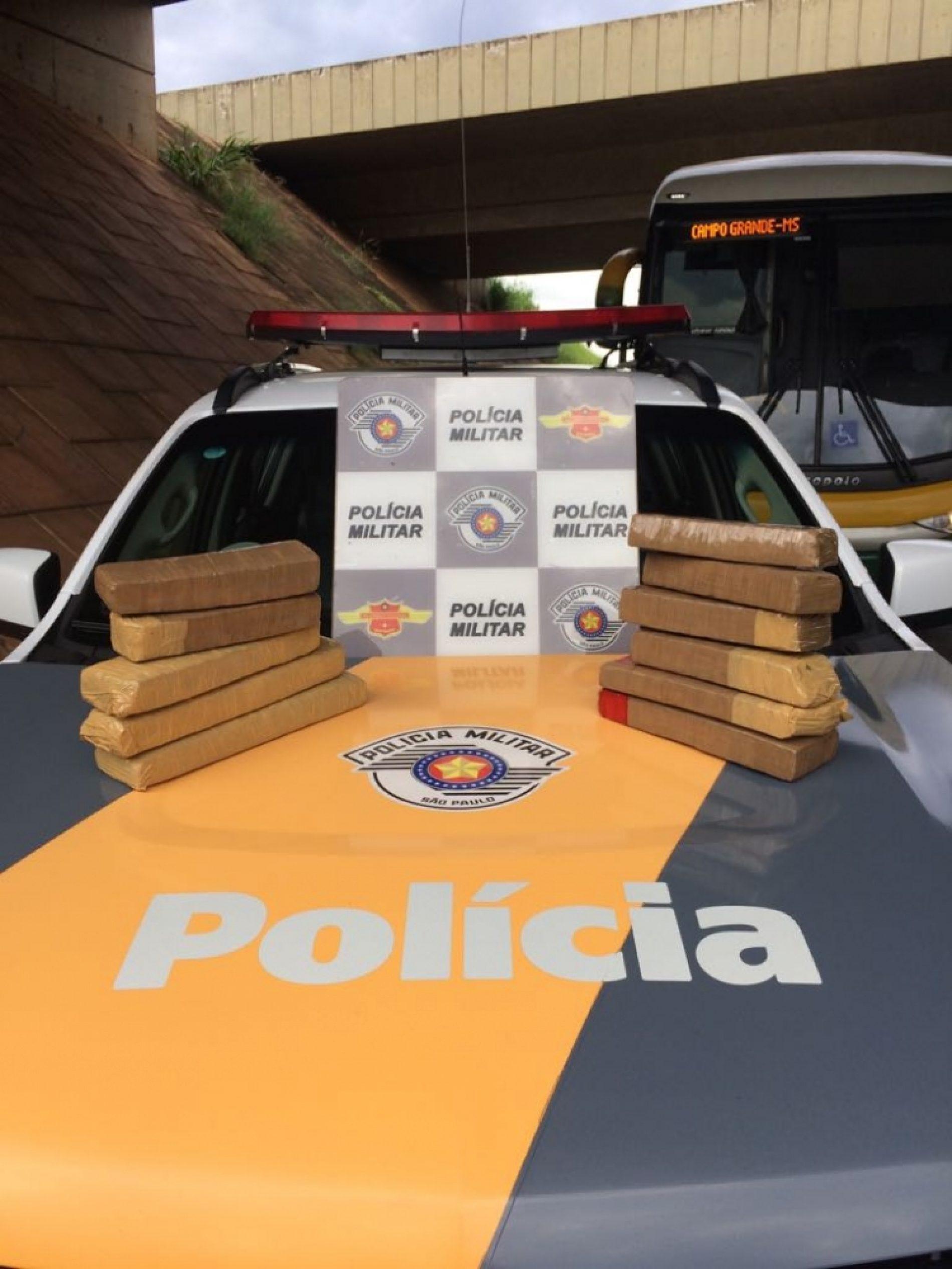 REGIÃO: Passageiro de ônibus é preso com 9 kg de maconha