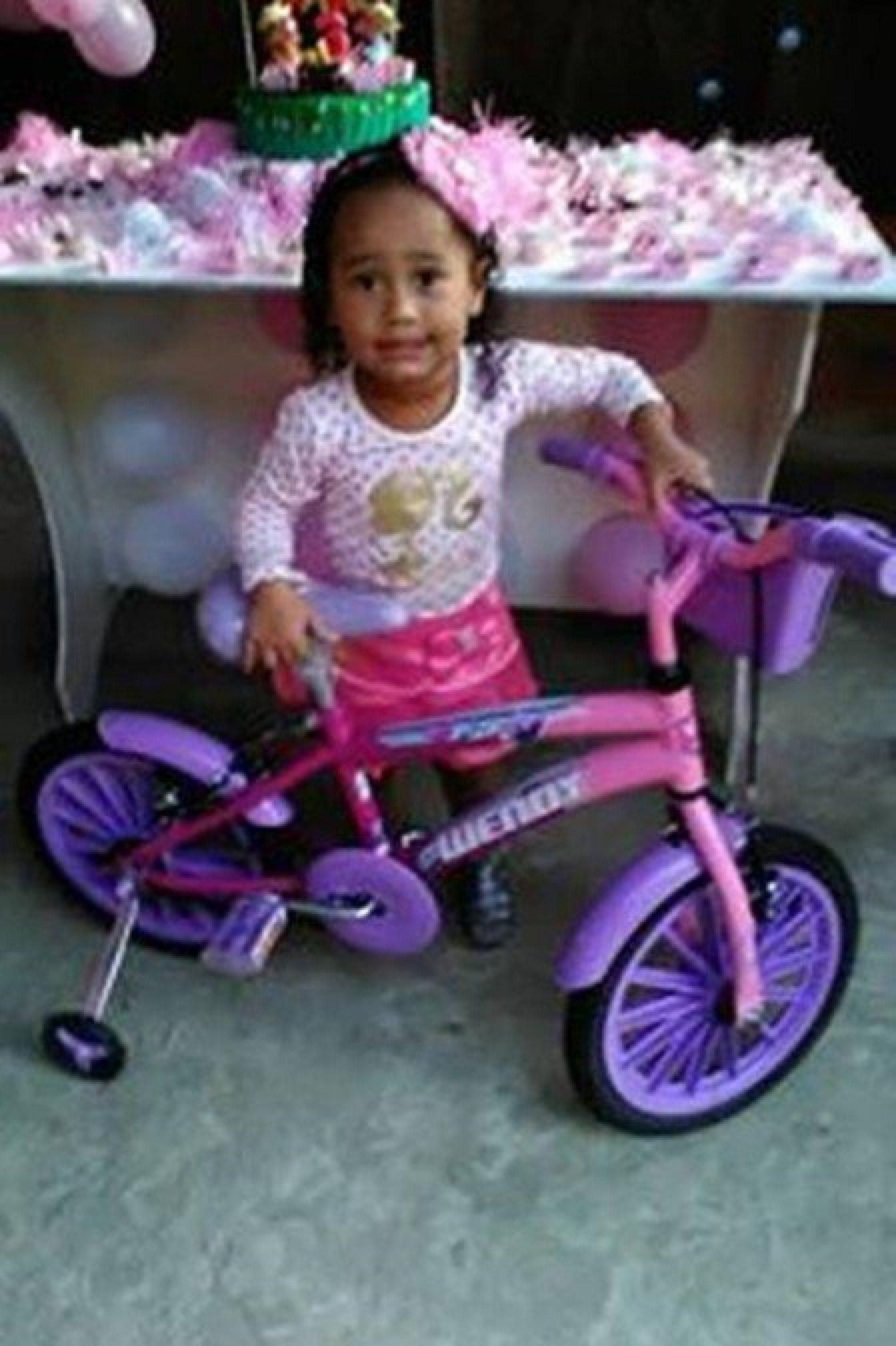 TRAGÉDIA FAMILIAR: Criança de 3 anos morre em tentativa de assalto; pai e mãe são baleados