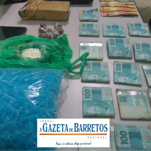 BARRETOS: A Casa caiu Força Tática prende maior e menor, localiza drogas e quase 16 mil em residências no bairro Zequinha Amêndola