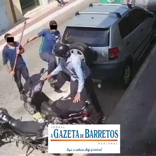 BARRETOS: Homem é ameaçado com arma de fogo e filma autor danificando sua moto com pedaço de pau