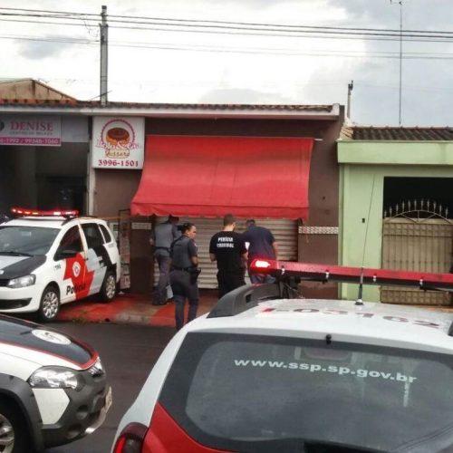 REGIÃO: Homem é executado a tiros enquanto comprava bolo
