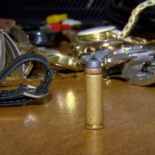 REGIÃO: Jovem de 13 anos é detido com relógios e televisões furtadas