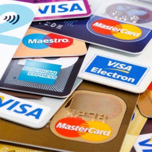 BARRETOS: Estelionatários abordam idosa e furtam seus cartões bancários