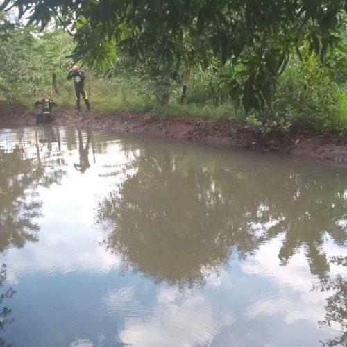REGIÃO: Corpo de menino de 2 anos é achado em lagoa de sítio