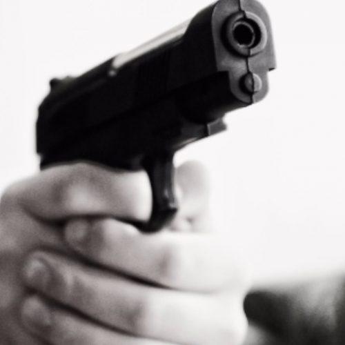 REGIÃO: Homem morre baleado em bar