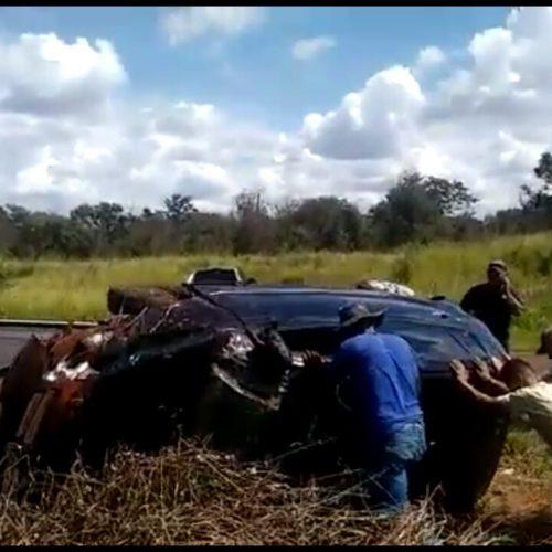 BARRETOS: Capotamento deixa duas jovens feridas na tarde desse sábado
