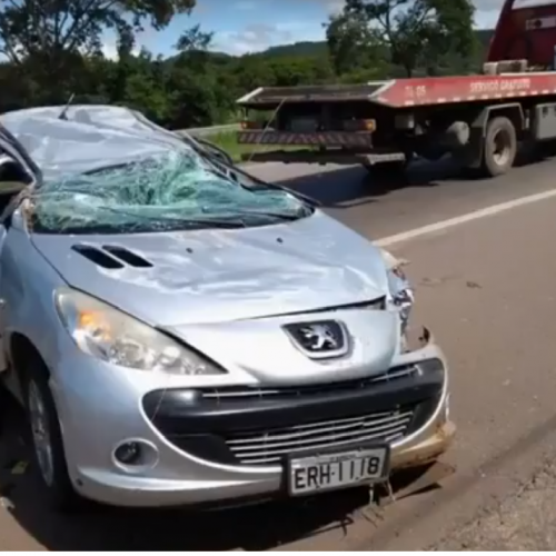 BARRETENSES: Quatro pessoas ficam feridas em acidente na BR 153, em Hidrolândia