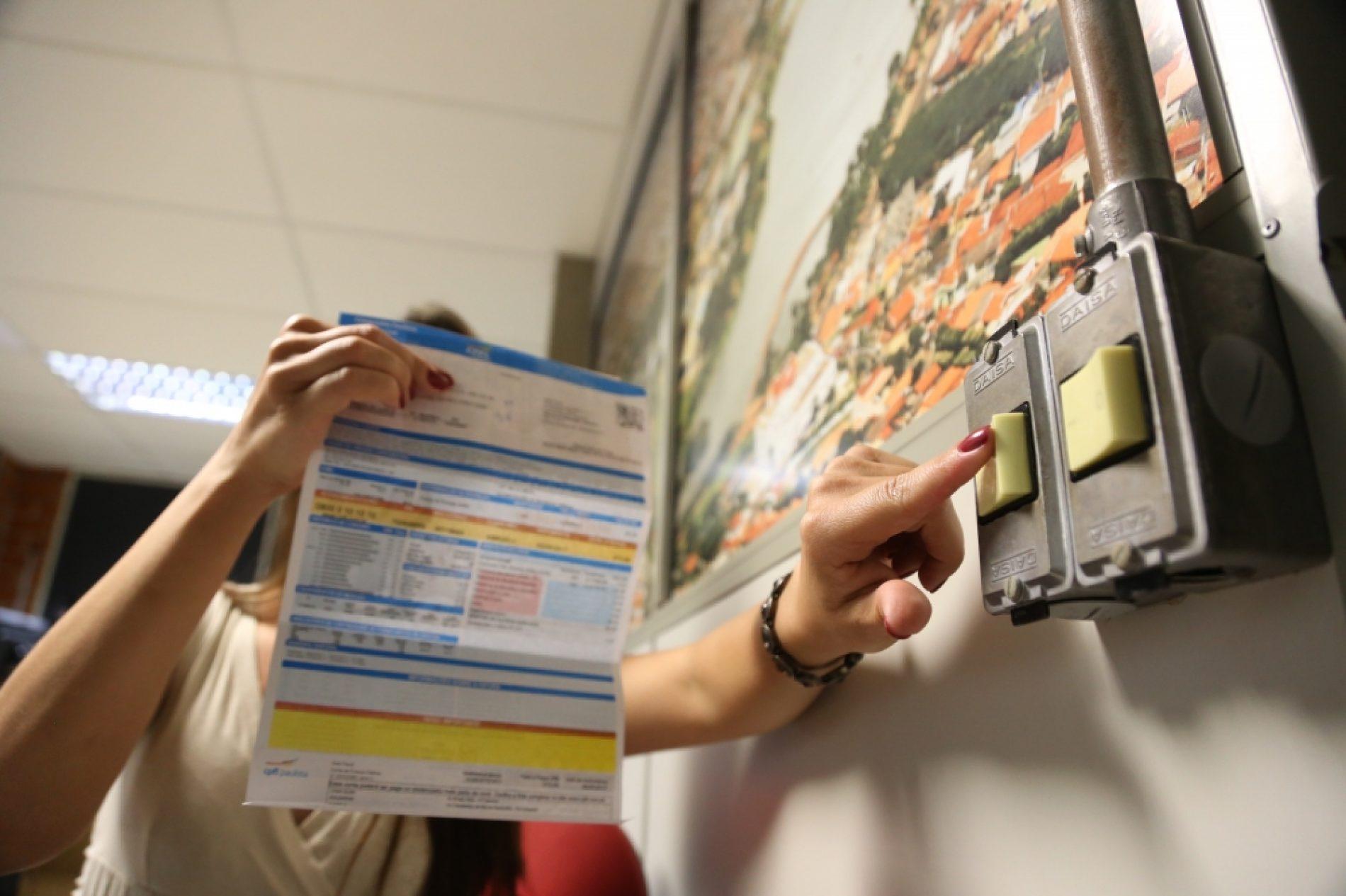 NOVA TARIFA: Conta de energia elétrica vai subir mais de 20%