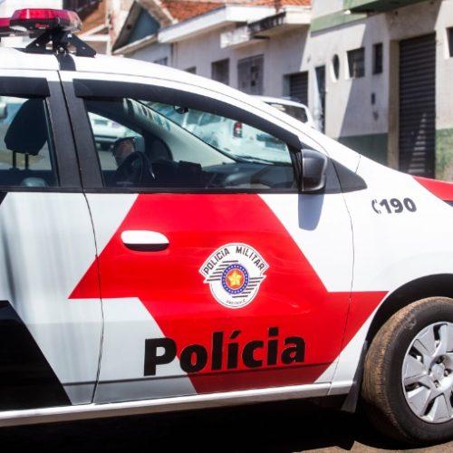 BARRETOS: Encapuzados e armados, ladrões rendem vítima, arrombam cofre e roubam objetos